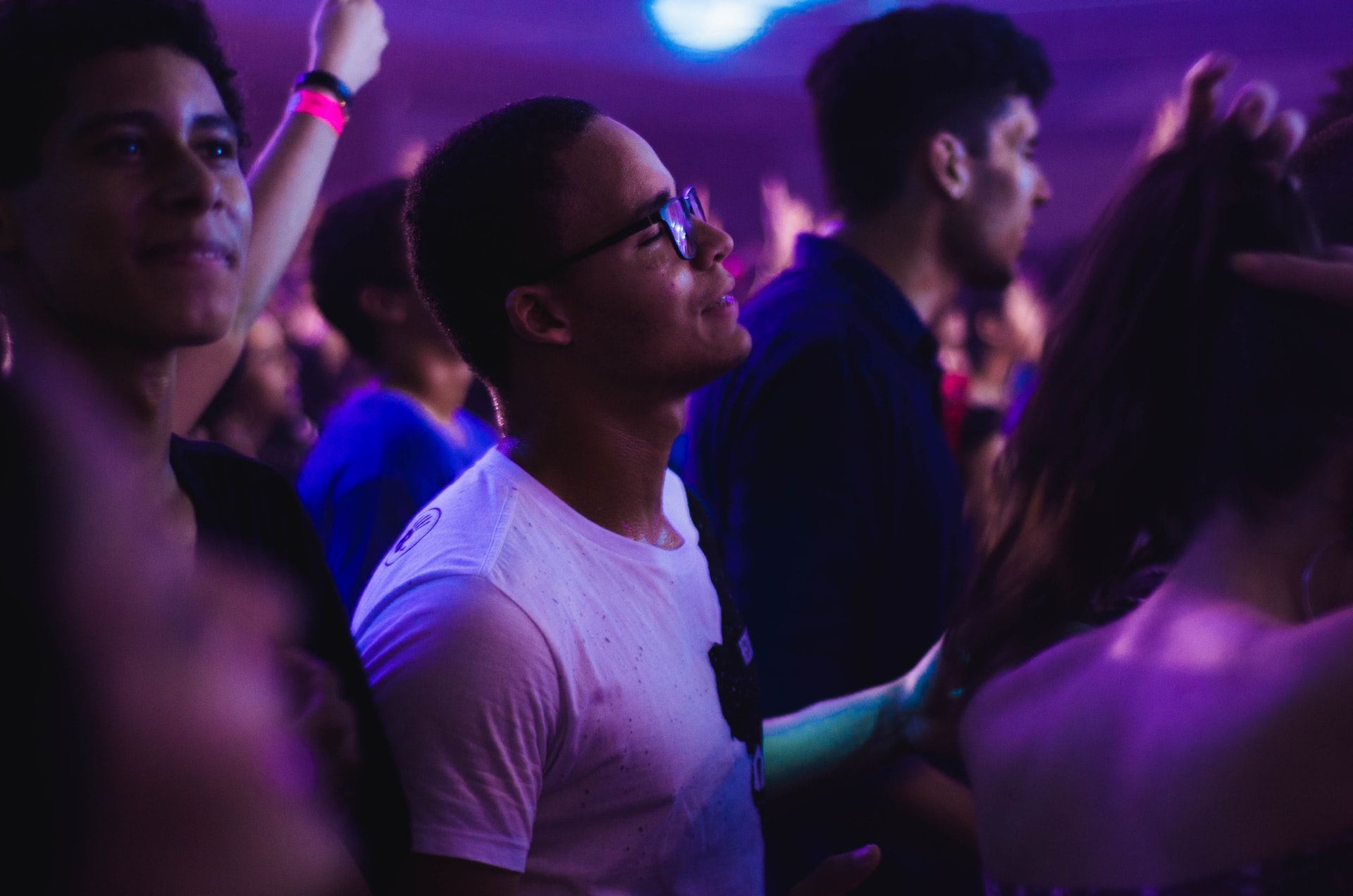 Here's How You Can Get Into Clubs For Free