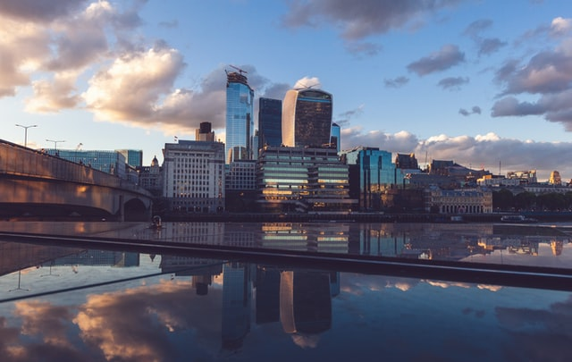 How to Live and Work in The UK After Graduating